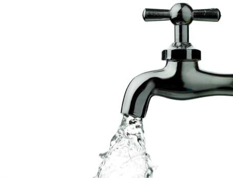 ce-legatura-este-intre-cancer-si-apa-de-la-robinet-3f8c8