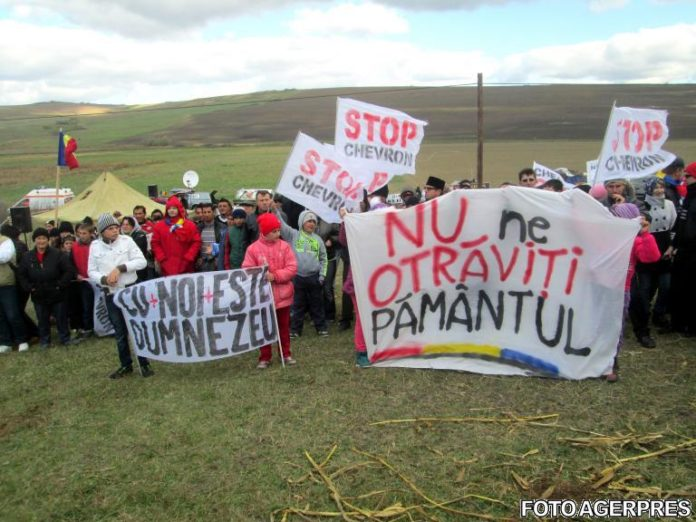 image-2013-10-19-15840726-41-protest-pungesti-19-octombrie