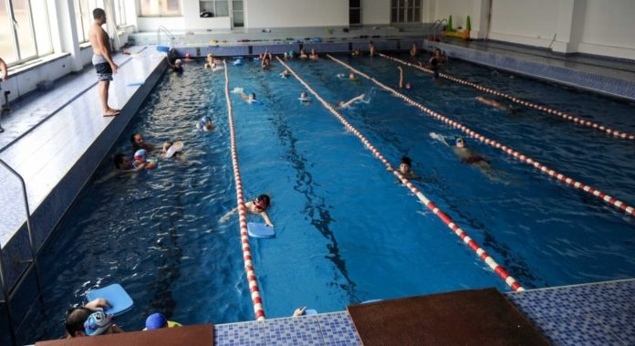Înotul-cea-mai-bună-opţiune-de-mişcare.-Vino-la-BAZIN-54