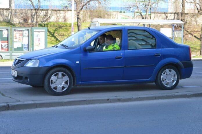 Şoferii-tupeişti-amendaţi-cu-curaj-de-poliţia-rutieră04