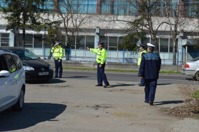 Şoferii-tupeişti-amendaţi-cu-curaj-de-poliţia-rutieră09