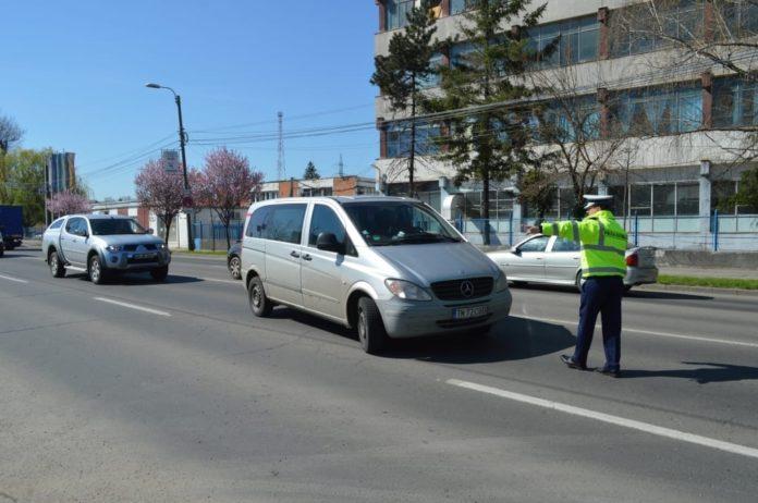 Şoferii-tupeişti-amendaţi-cu-curaj-de-poliţia-rutieră52