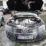 Audi-A3-în-flăcări-în-Complexul-Studenţesc-din-Timişoara5