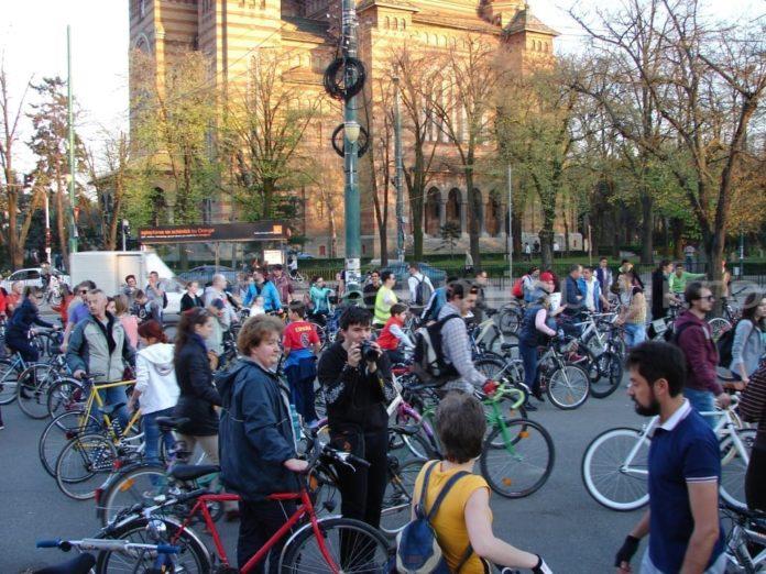 biciclisti-earth-hour-2014-24