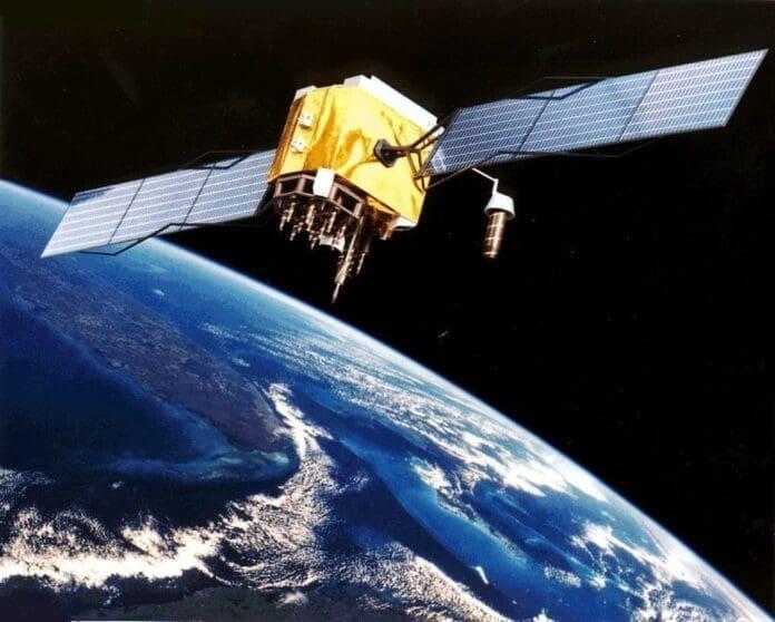 satelit-pamantul-spatiu