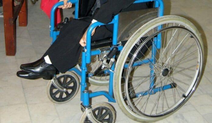 scaun-cu-rotile-handicap