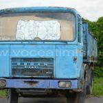 Autocamion-abandonat-pe-strada-Nera5