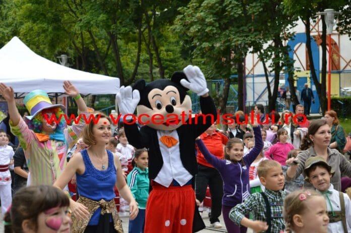 DISTRACŢIE-maximă-în-Parcul-Copiilor-din-Timişoara15
