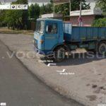 camion-strada-nera-google-street-view