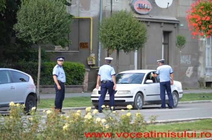 """Razie-a-Poliției-Rutiere-Timiș.-""""Șefu""""-fuge-de-camera-de-filmat-cu-tot-cu-echipaje15"""