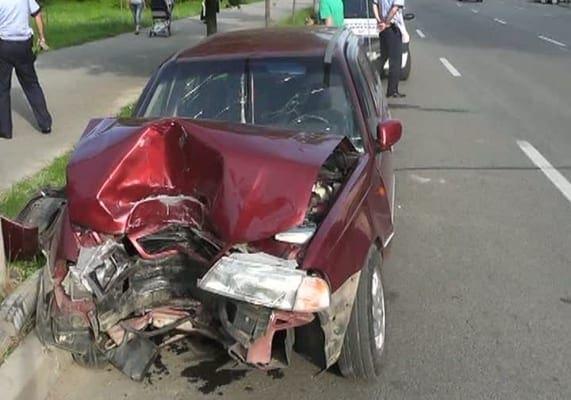 accident-pitesti-stalp