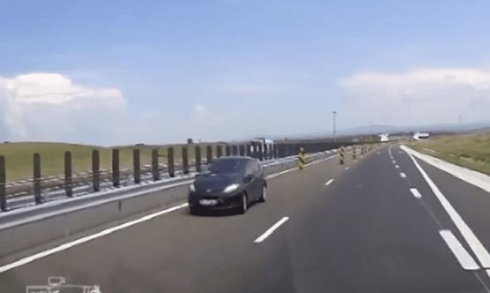 masina-pe-contrasens-autostrada