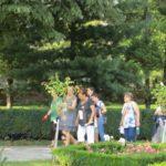 grapini-plimbare-parcul-rozelor-pensionari-11