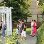 grapini-plimbare-parcul-rozelor-pensionari-12