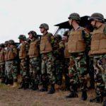 exercitii-armata-soldati-cu-veste-antiglont