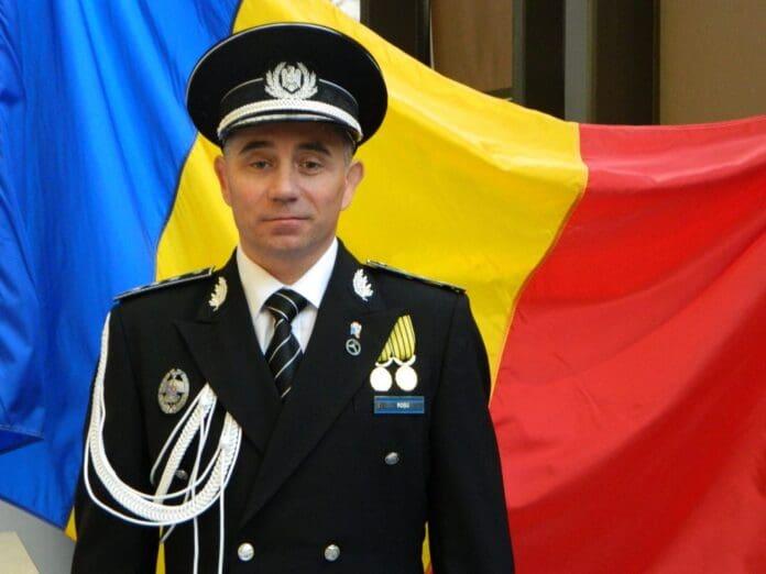 comisarului-șef-Roșu08