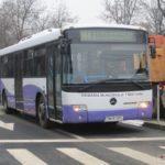 doua-mini-benzi-pe-strada-nistrului-autobuz-ratt-M44-trecere-de-pietoni