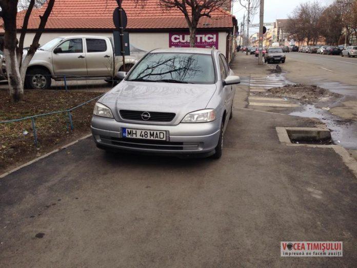 Nasimtit-parcat-pe-trotuar-3