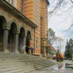 Pregătiri-de-Paste-la-Catedrala-Mitropolitana-care-se-spala-1