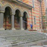 Pregătiri-de-Paste-la-Catedrala-Mitropolitana-care-se-spala-2