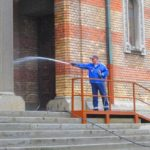 Pregătiri-de-Paste-la-Catedrala-Mitropolitana-care-se-spala-3