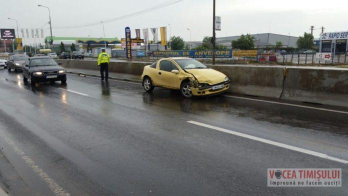 """Șoferul-unui-Audi-Q7-s-a-""""vârât""""-cu-TUPEU-pe-Calea-Șagului-și-a-provocat-un-accident2"""