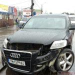 """Șoferul-unui-Audi-Q7-s-a-""""vârât""""-cu-TUPEU-pe-Calea-Șagului-și-a-provocat-un-accident4"""