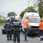 Ambulanţă-implicată-într-un-accident@01