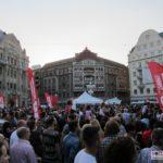 Horia-Brenciu-show-INCENDIAR-în-fața-miilor-de-timișoreni-aflați-în-Piața-Victoriei-2