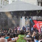 Horia-Brenciu-show-INCENDIAR-în-fața-miilor-de-timișoreni-aflați-în-Piața-Victoriei-4