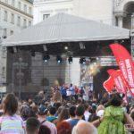 Horia-Brenciu-show-INCENDIAR-în-fața-miilor-de-timișoreni-aflați-în-Piața-Victoriei-5