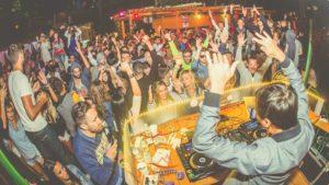 party Ponton Casa Baraj
