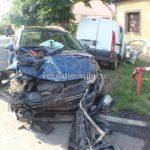 Două-maşini-distruse-din-cauza-unei-şoferiţe-.1