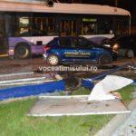 Staţie-de-autobuz-distrusă08