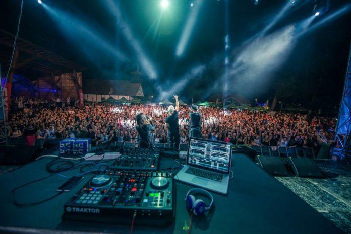 Revolution-Festival