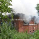Incendiu-la-o-clădire-dezafectată01