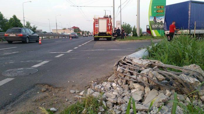Accident-TIR-Calea-Lugojului-stalp-5