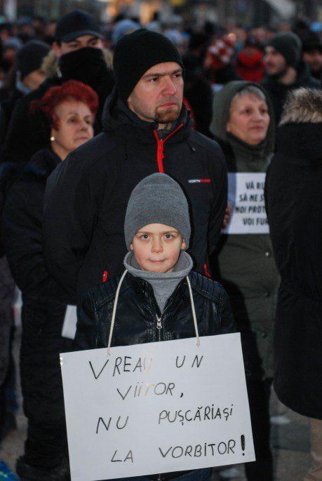 Protest-împotriva-amnistiei-şi-a-graţierii-la-Timişoara04