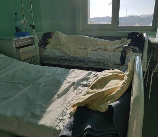 băgați în spital de oamenii legii