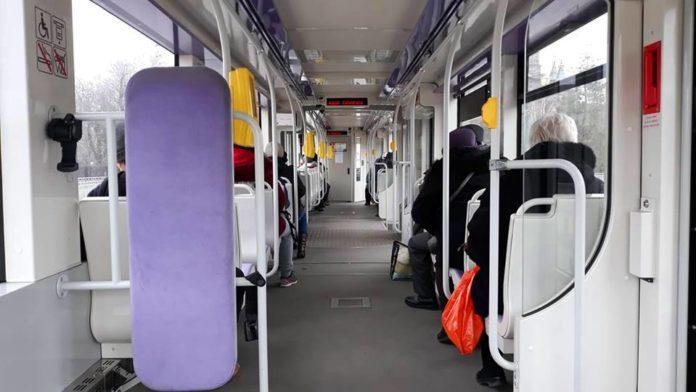 interior-tramvai-Armonia