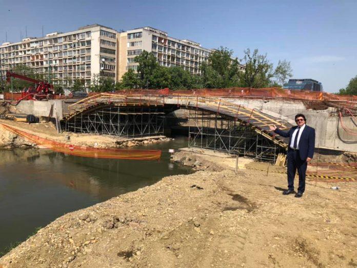 Nicolae-Robu-la-Podul-Dragalina-in-santier