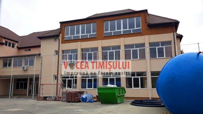 Liceul-Vlad-Tepes-din-Timisoara-are-sase-noi-sali-de-clasa6