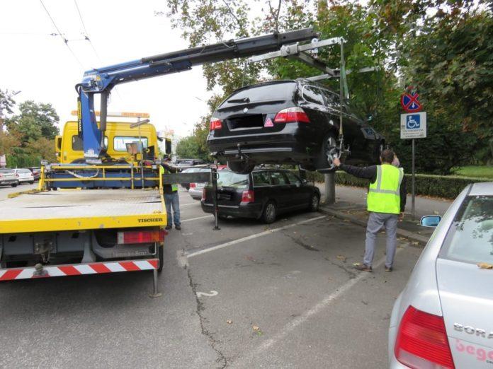 Veniturile-nu-respecta-locurile-de-parcare-pentru-persoanele-cu-dizabilitati-la-Timisoara-se-ridica-masina