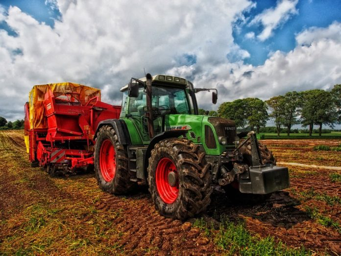 sector-agricol-tractor