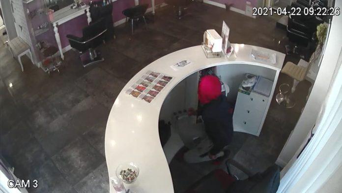 Hoții și vardiștii! IPJ Timiș nu are timp să prindă un hoț minor, care terorizează Timișoara, pentru că e foarte ocupat cu migranții 5